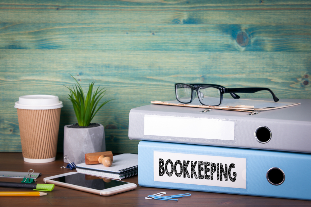 Why A Bookkeeper Is More Beneficial Than Bookkeeping Software